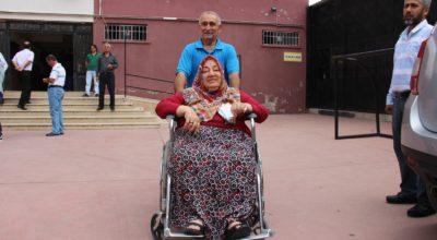 Mardin'den İskenderun'a oy için geldiler