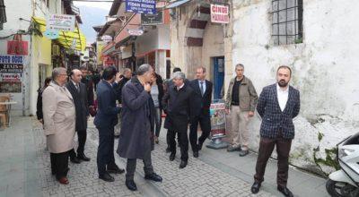 Vali Doğan tarihi Antakya sokaklarında
