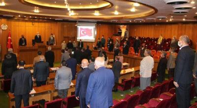 İskenderun Belediye Meclisi 'İL' için ayağa kalktı